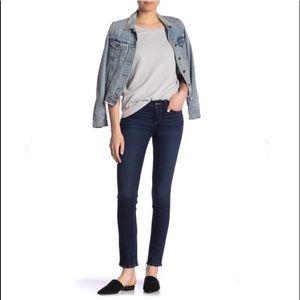 PAIGE skyline skinny jeans dark was size 25